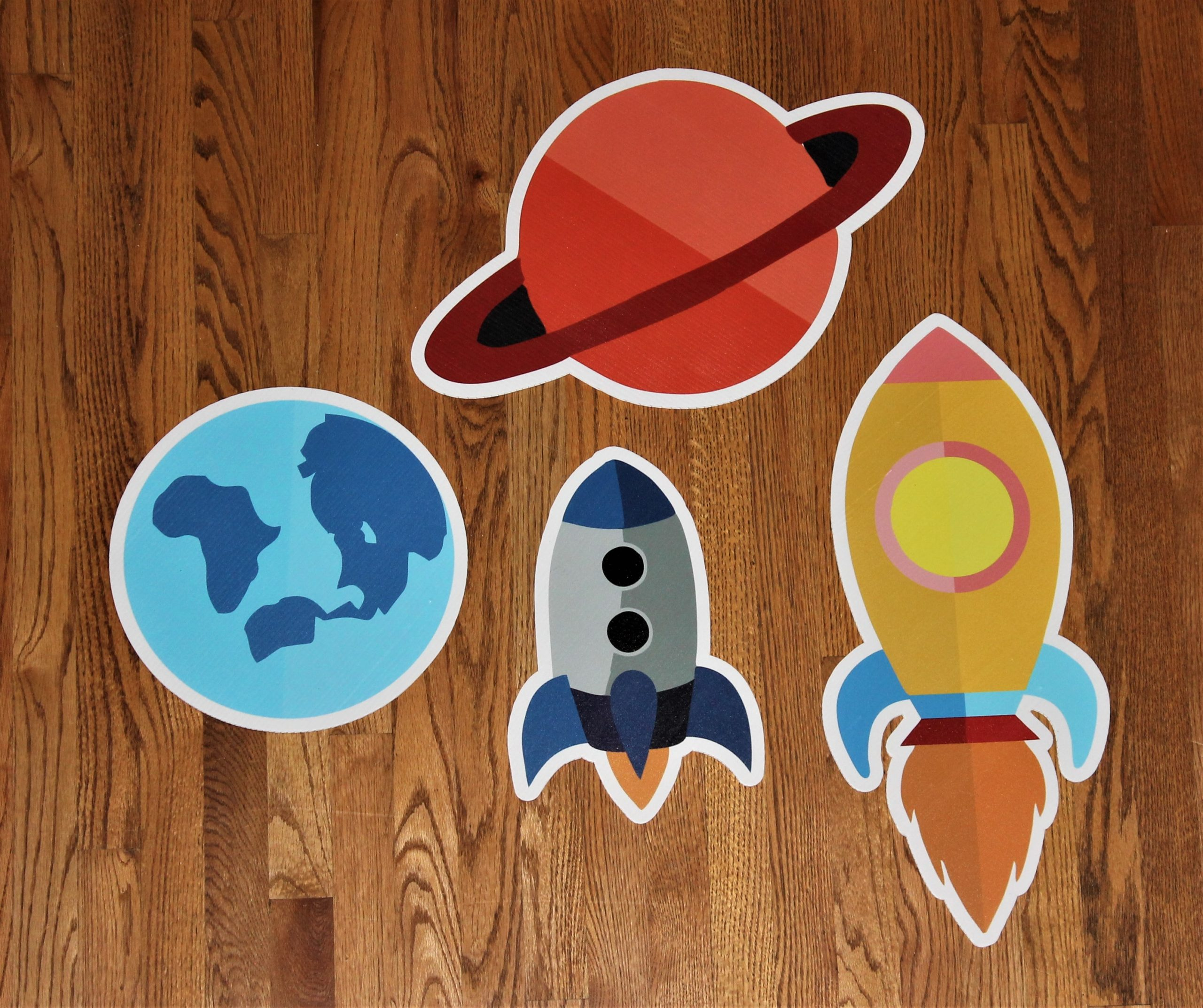 Spaceships and Planets